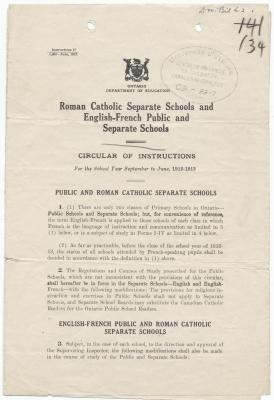 Texte imprimé, en anglais. La première page porte les armoiries de l'Ontario ainsi que l'objet de la circulaire. Le sceau du Centre de recherche en civilisation canadienne-française y a été apposé ainsi qu'une cote, ajoutée à la main. Le texte, qui figure sur une seule colonne, est découpé en plusieurs articles et sous-articles numérotés et séparés par sections. Le gras et la taille de la police sont utilisés pour mettre l'accent sur certaines parties du texte.