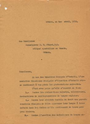 Brouillon d'une lettre dactylographiée, en français, sur des feuillets jaunis. La lettre se présente comme une liste de six doléances, suivies d'un rappel de la « filiale soumission » de son auteur à la Sainte Mère l'Église. Elle inclut le nom du destinataire et la fonction du signataire.