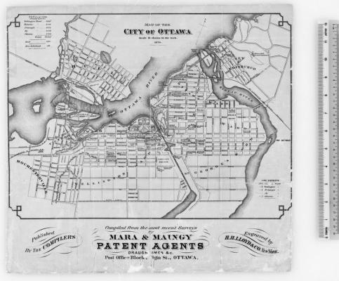 Carte routière et fluviale qui comprend le titre, la légende et les noms des agents de brevet et du graveur, dactylographiés en anglais.  L'échelle, placée à droite de la carte, est en pouce. La carte inclut un décompte de la population par quartier ainsi qu'une liste des zones d'intervention des pompiers.