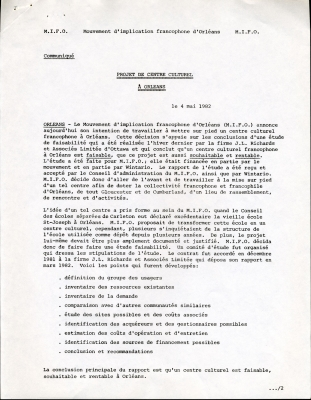 Document dactylographié en français comportant des notes manuscrites à l'encre noire. Le document présente l'information sous forme abrégée.