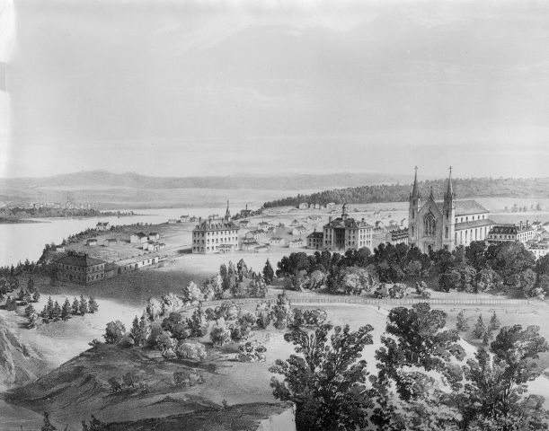 Lithograph in black and white of a small town surrounded by trees, alongside a river. A church stands out from the landscape.